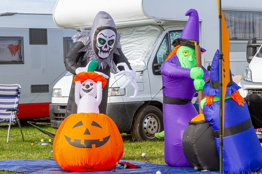 How to Celebrate Halloween with Inflatables